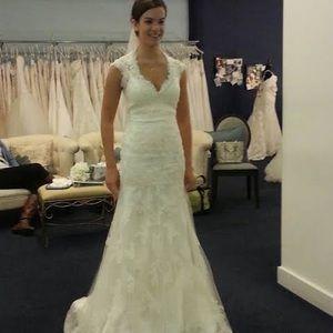 Wedding dress Allure Bridal